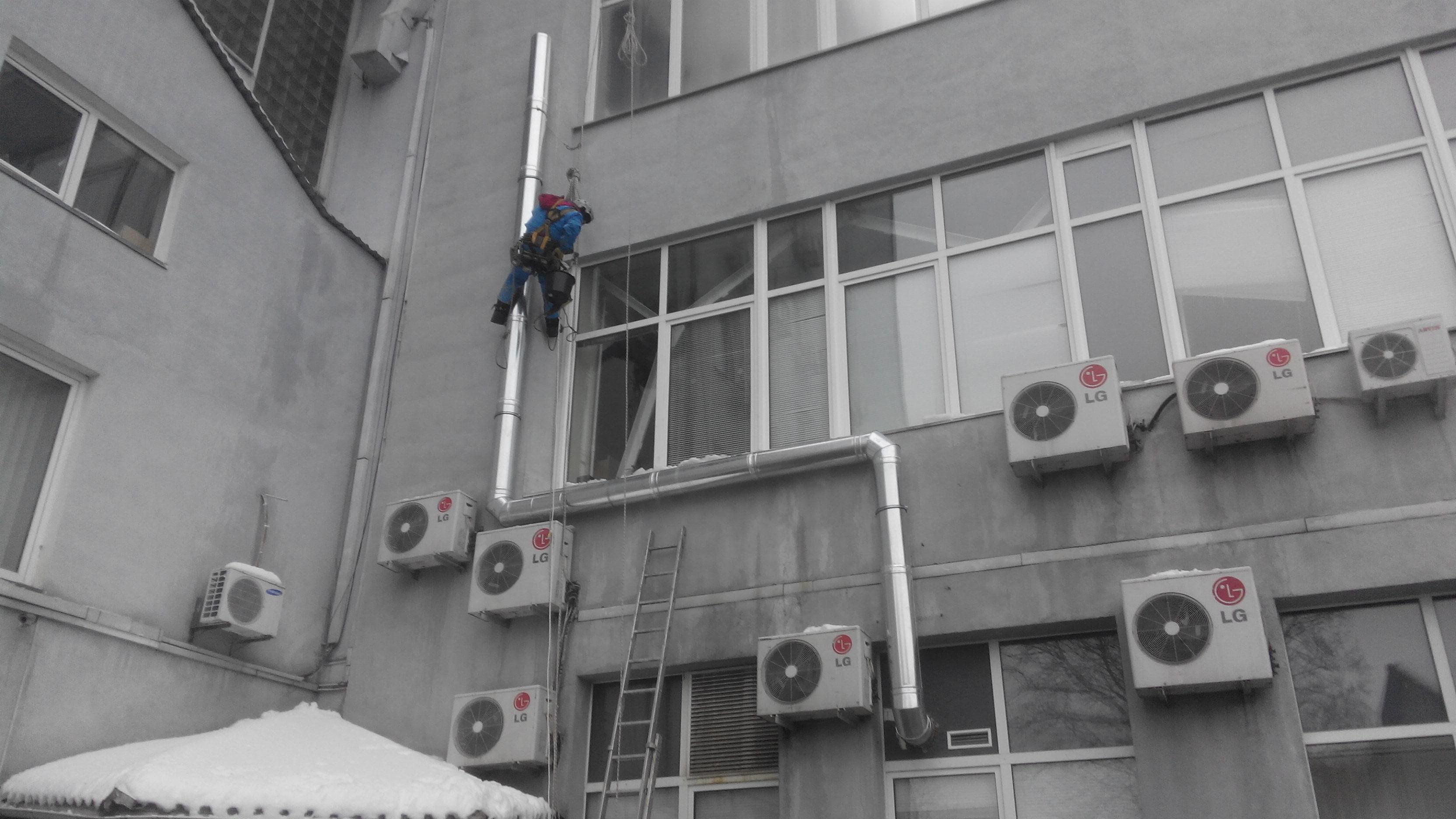 монтаж воздуховодов альпинистами